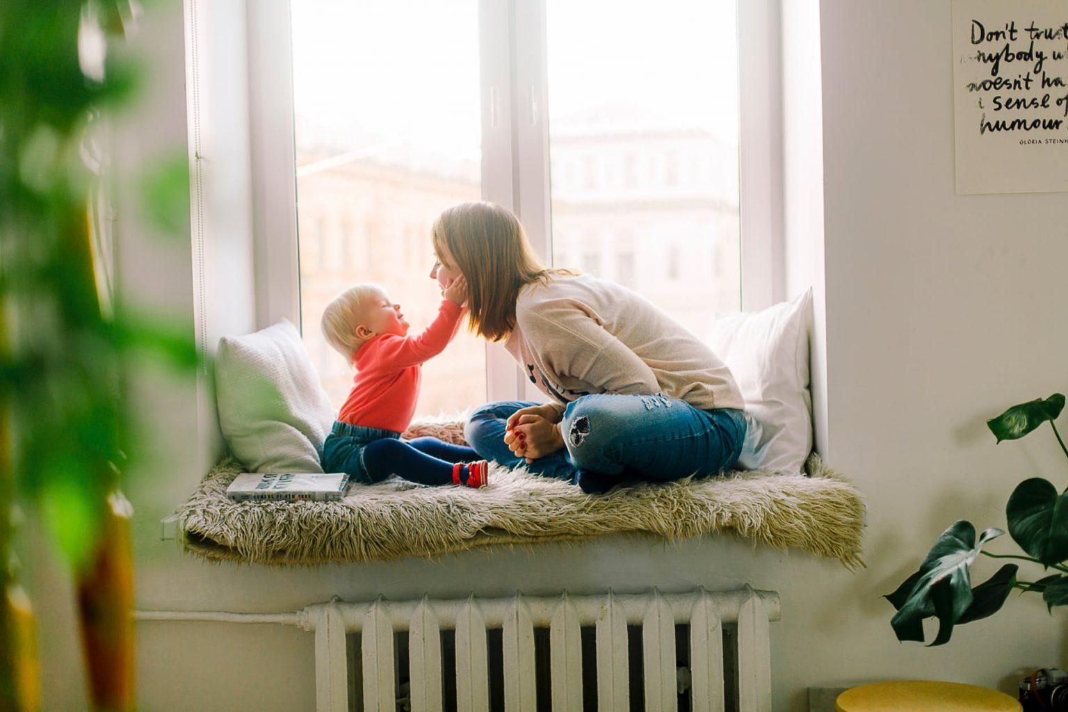 Guvernul României a stabilit modul de acordare și de plată a zilelor libere pentru supravegherea copiilor