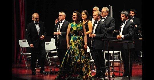 SPANIA: Soprana Alexandra Tărniceru interpretează o arie din opera lui Giacomo Puccini pentru toată Palencia(video)