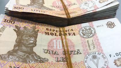 Moldova: Salariul mediu lunar pe economie în 2020 este în creștere / Străinii care au rude în Moldova pot intra în țară