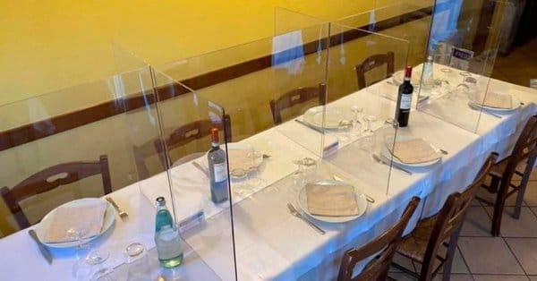 Barurile și restaurantele din Madrid testează pereții despărțitori din metacrilat(foto)