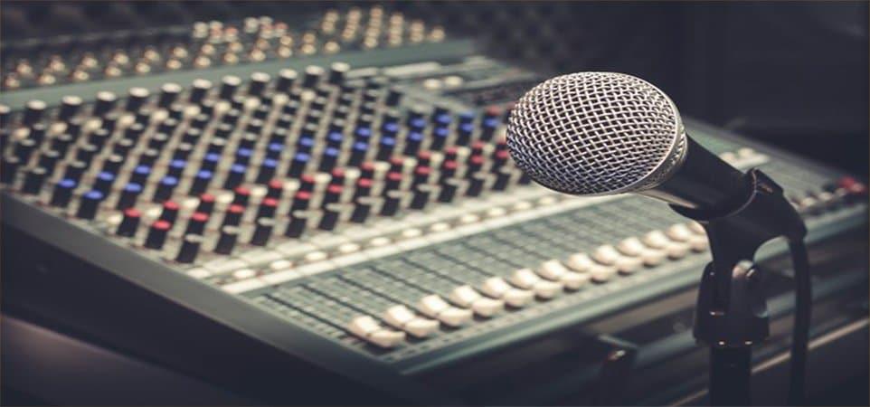 Posturi de radio românești din Spania