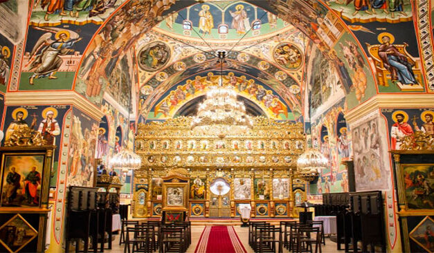 Biserica Ortodoxă Română le cere enoriașilor să nu accepte calendare bisericeşti de la partide: Este ilegal şi sunt şi pline de greşeli