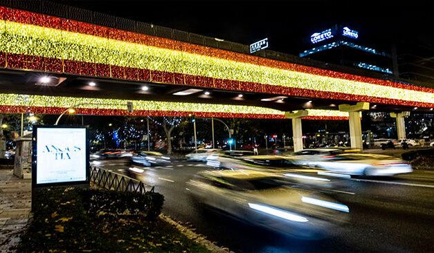 Madrid a fost primul oraș în care s-au aprins luminițele de Crăciun din Spania(video)