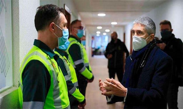 Polemică în Spania după vaccinarea unor militari şi oameni politici