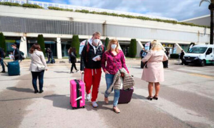 Imaginile cu mii de nemți în vacanță în Mallorca, în plin val COVID, au stârnit nemulțumiri