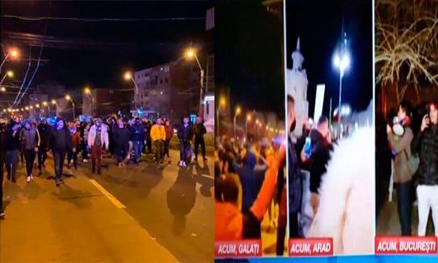 Proteste în România după miezul nopții. Mii de oameni la Galați, Brăila, Cluj, Arad și La București
