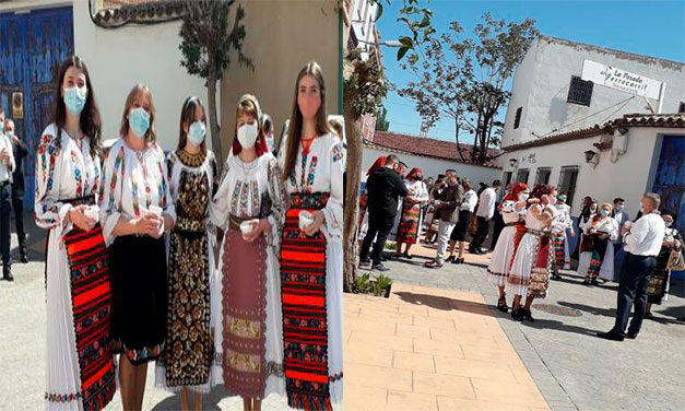 Bistriţenii din Spania nu au uitat de tradiţiile de acasă. Au luat Lumina în costume populare