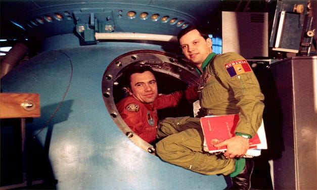 Dr. ing. cosmonaut Dumitru – Dorin PRUNARIU, 40 de ani de la zborul în spațiul cosmic. La mulți ani!