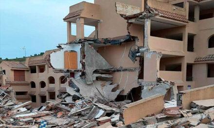 Clădire cu trei etaje prăbuşită parțial în localitatea Peniscola din Spania