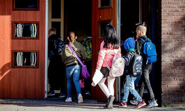Ce părinți ar putea fi privați de dreptul de a-și vizita copiii în Spania!